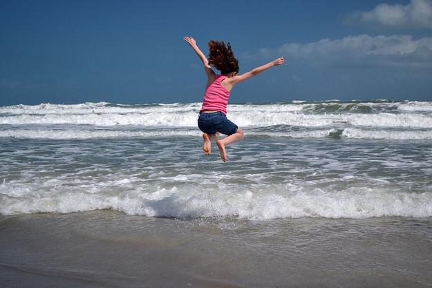 Pulando ondas, superstição