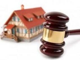 Un Juzgado de Barcelona obliga a un banco a aplicar la dación en pago: declara nula la cláusula de r