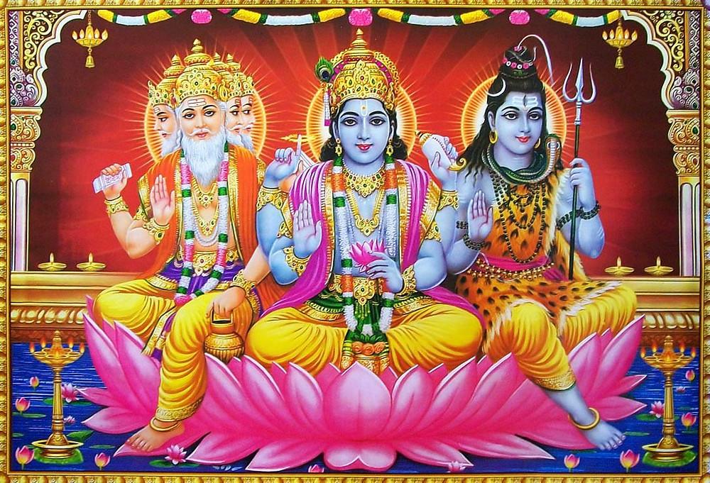 Índia: Brahma, Vishnue Shiva.