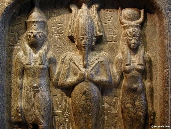 Egito: Osíris, Ísis e Hórus.