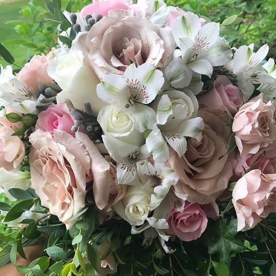 Bouquet for Anne 💕_#weddingflowers_#tor