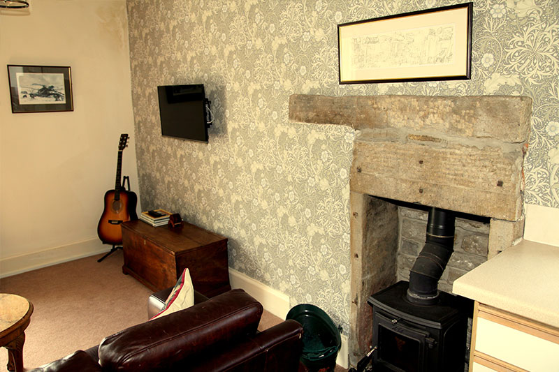 Burnlee House Apartment