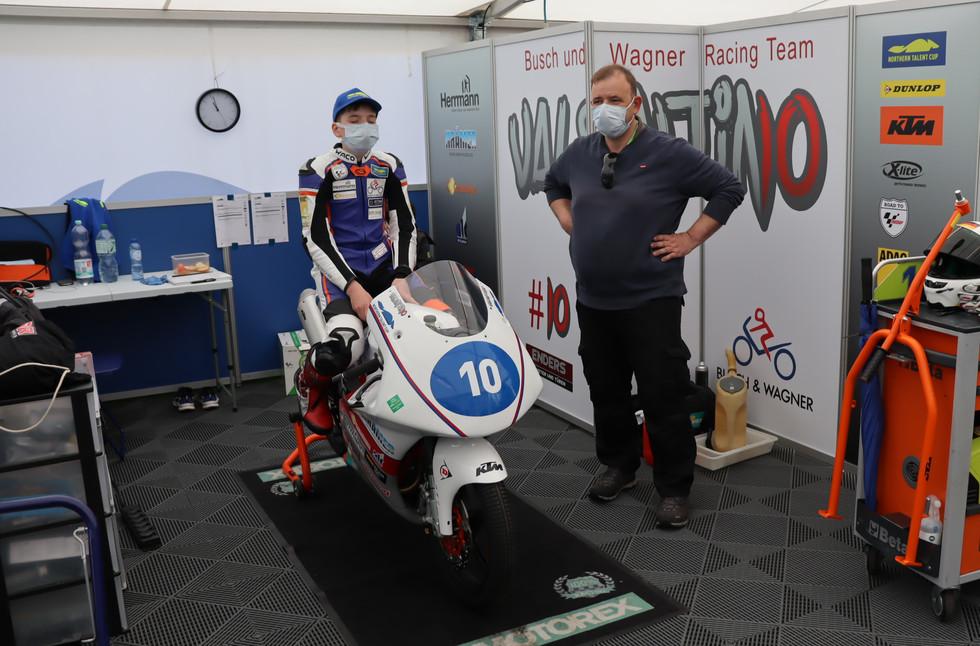 Box Busch und Wagner Racing Team im NTC Zelt