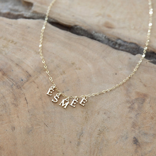 "COLLIER ""LITTLE LETTERS"""
