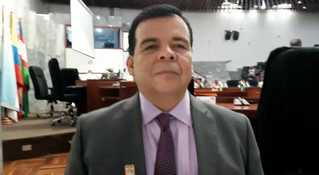 """Roberto Ortiz: """"Quieren elegir un personero de bolsillo"""""""