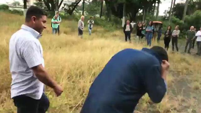 Abejas impidieron que el alcalde Ospina invadiera lote del Club San Fernando (Ver vídeo)