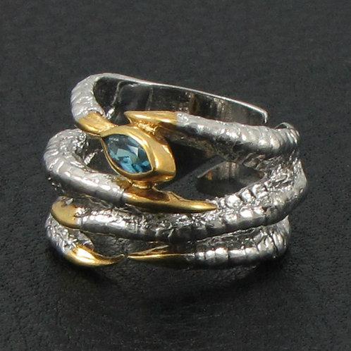 Кольцо - соколиная лапка с топазом