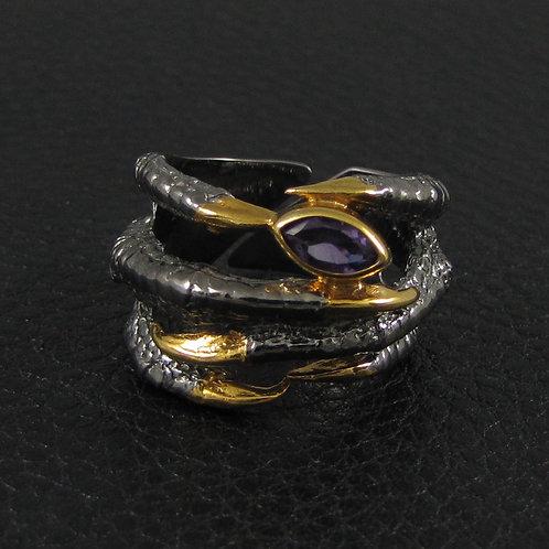 Кольцо - соколиная лапка с аметистом