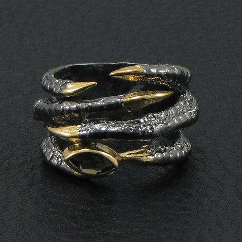 Кольцо - соколиная лапка с раухтопазом