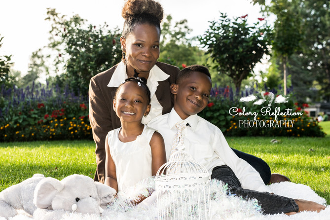 TORONTO PHOTOGRAPHER | Beautiful Mommy & Adorable Toddlers!