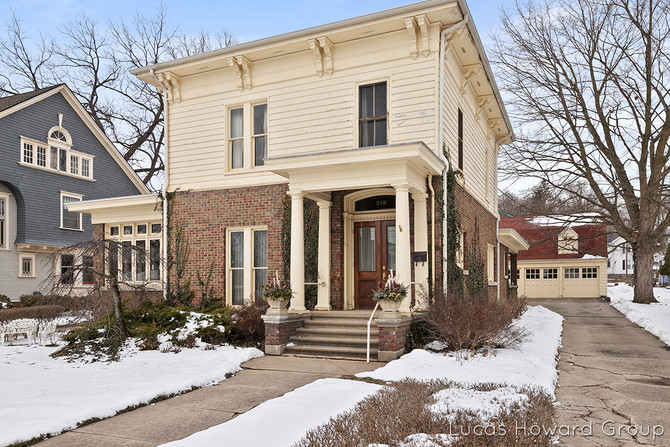 Historic Home in Ionia!