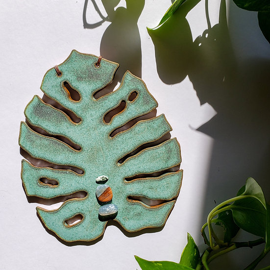 Monstera Wall Hanging with Snake Skin Agate, Moss Agate and Satyaloka Quartz