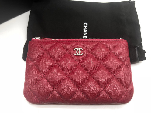 234929c692c740 This is brand new never been used Chanel 18B Dark Pink SHW mini o case from  this current collection.