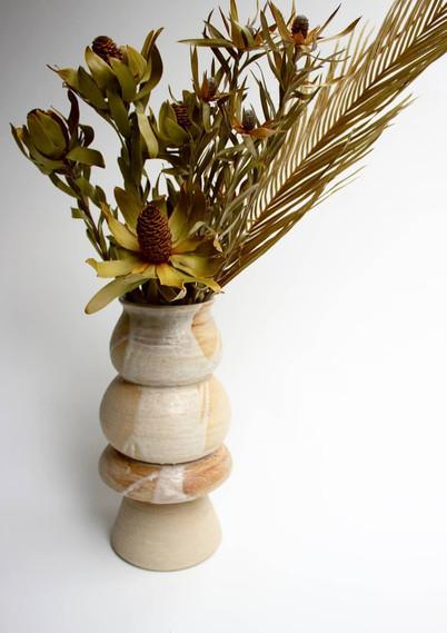 Wabi Sabi concept glaze on vase - Complementray dried arrangement