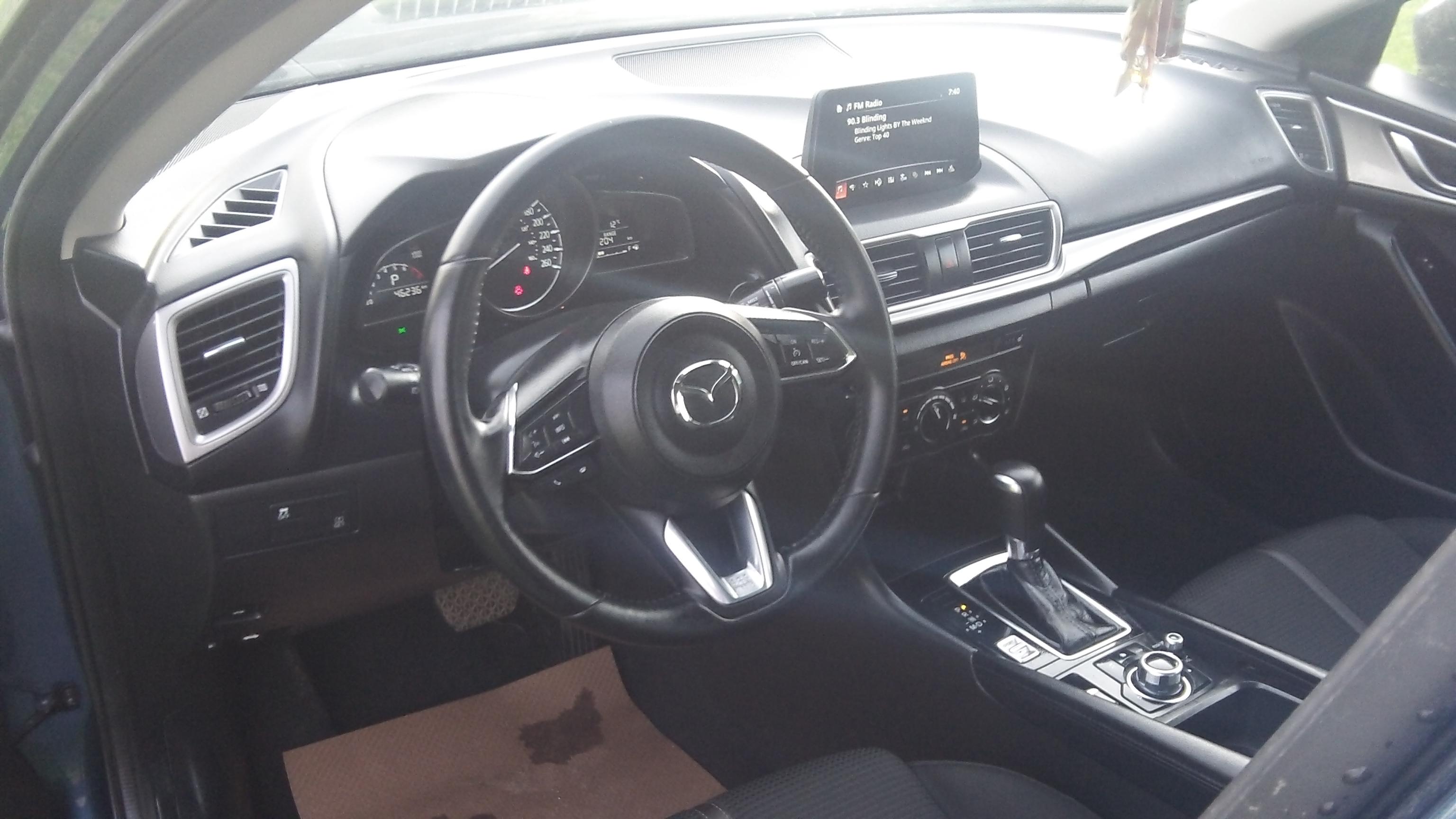 18 Mazda 3_4