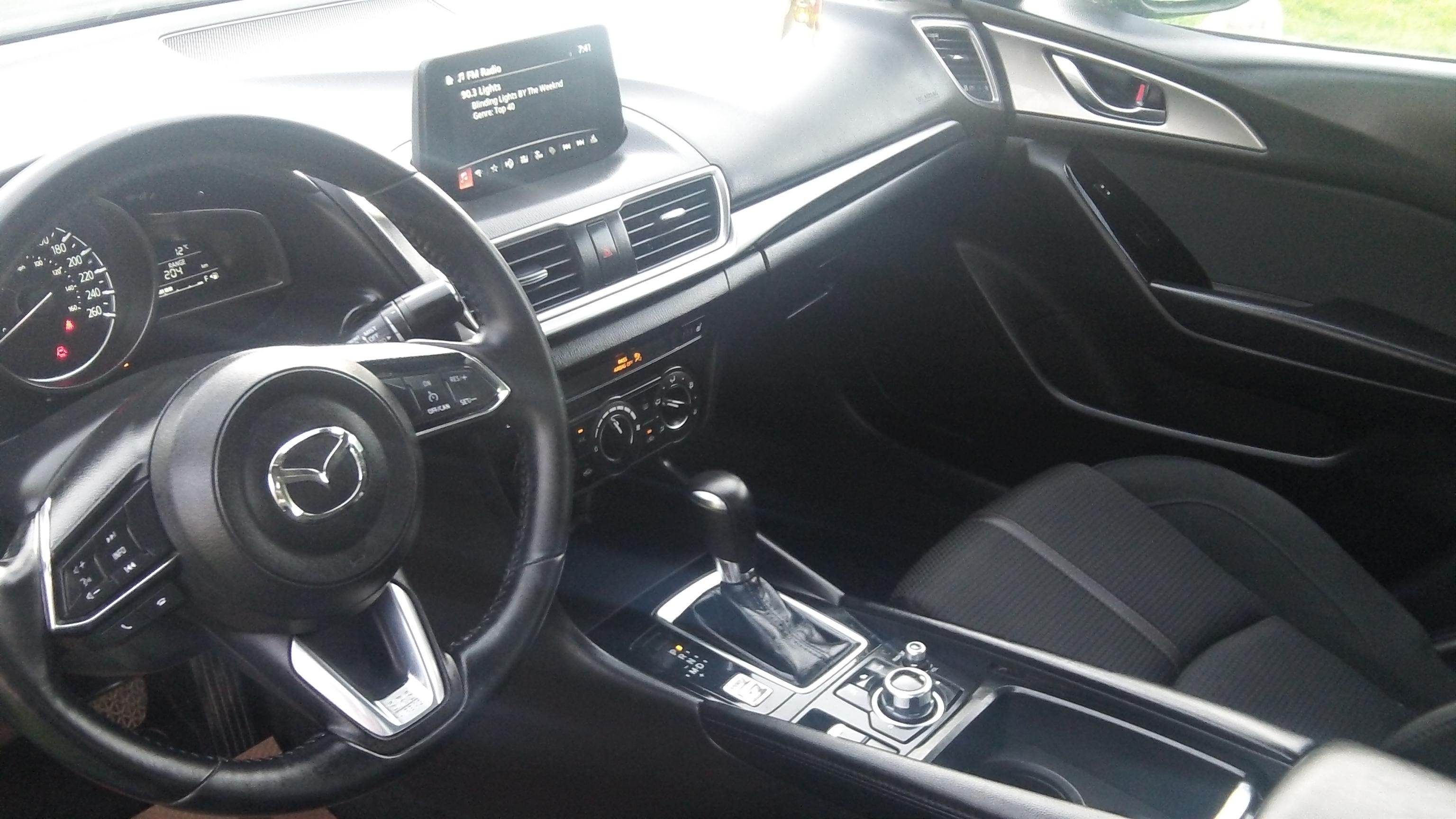 18 Mazda 3_7