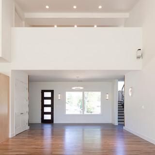 Foyer & Balcony