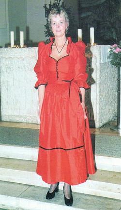 Fahnenmutter Helga Schütz.jpg
