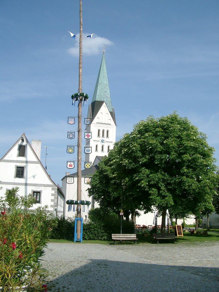 Maibaum Reichertshofen