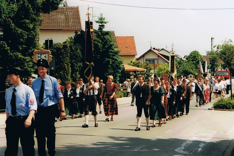 Fahnenweihe 1999 (54).jpg