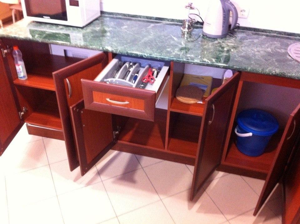 Кухня, столовые приборы, теплые полы