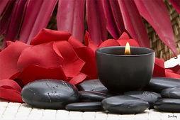 tableau-spa-bougie-fleurs-rouges-zen_1.j
