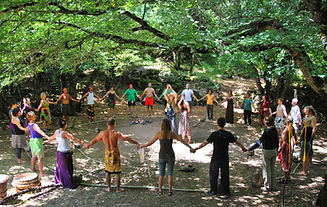 _absolutely_free_photos_original_photos_people-singing-in-festival-3872x2452_36442.jpg
