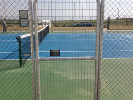 A jugar al tenis en Castilleja del Campo