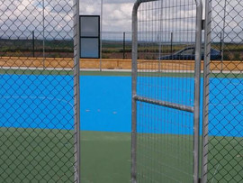 Pista de tenis terminada en Castilleja