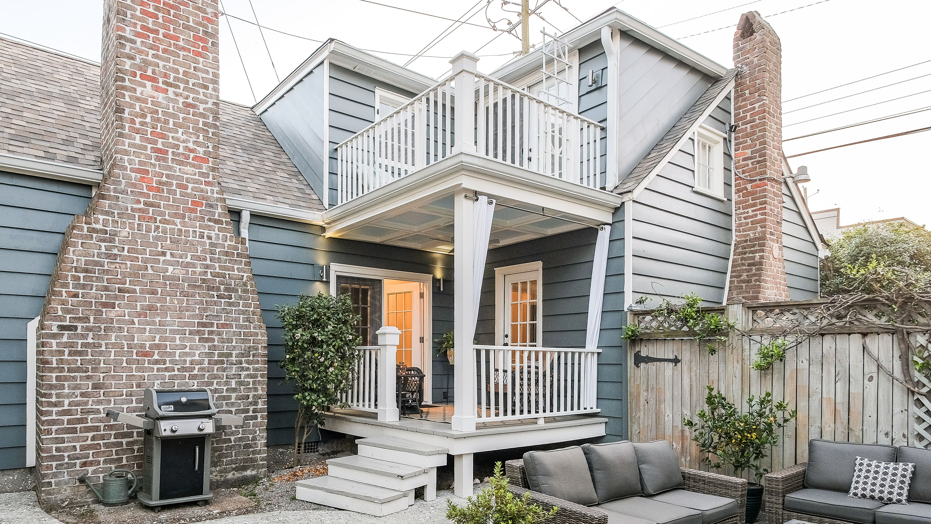 Double-decker patios