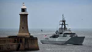 Brexit: Armed Navy boats on standby to protect UK waters in case of no deal
