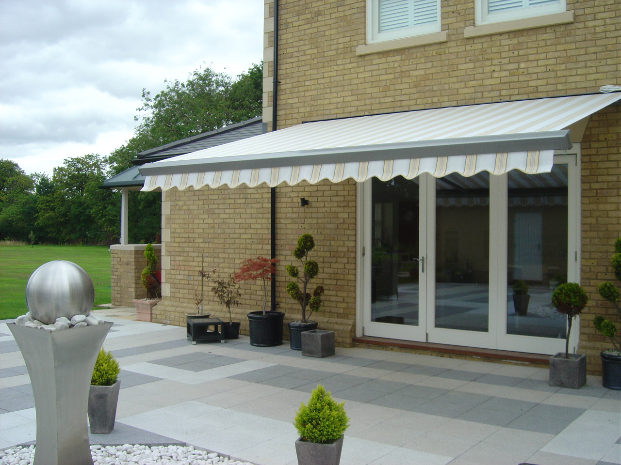 Lewens Trentino Cassette Awning