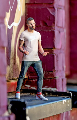 19_man_graffiti_01