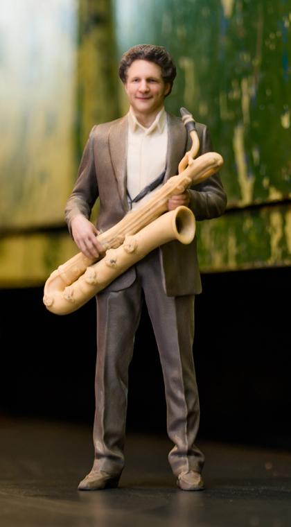 14_man_saxophone_01