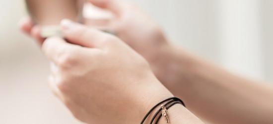 19_stainless_figurine_kid_bracelet_02.jp