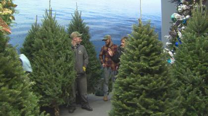 CBS News - Shoppers Scrambling During Shortened Holiday Season