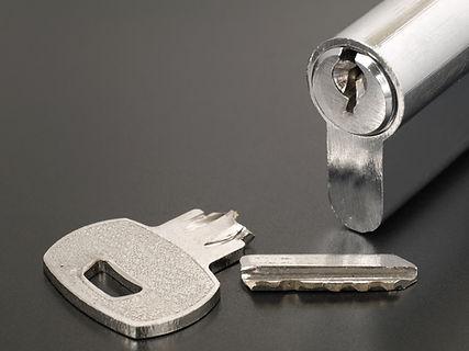 Pin tumbler of cylinder lock internal me