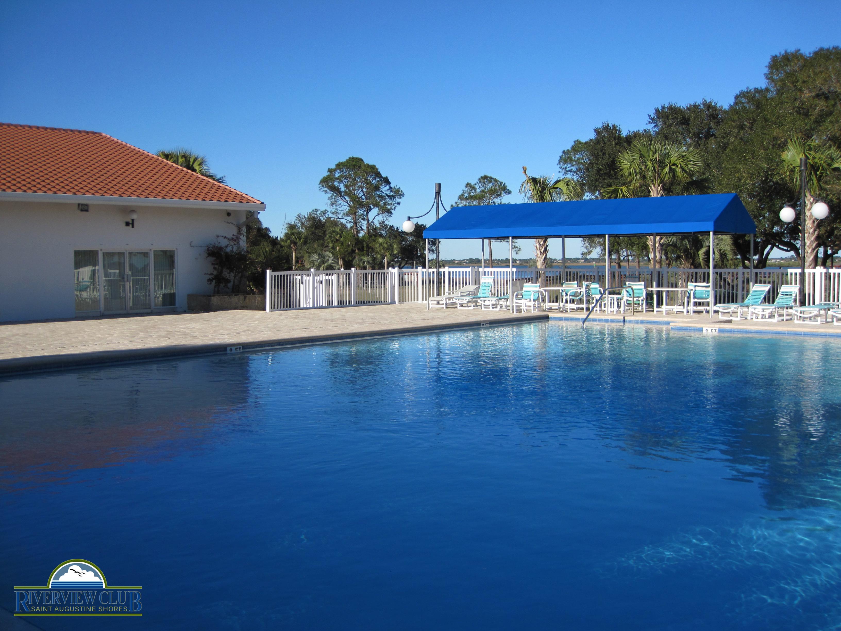 Riverview Club Pool