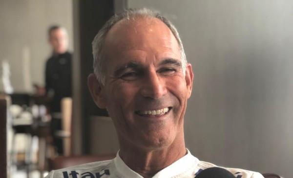 Quem é Carlos Amadeu, o técnico do Brasil sub-20 Revela ter Perda Auditiva.