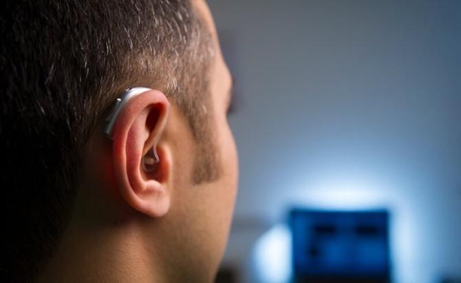 Google prepara o Android para compatibilidade com aparelhos auditivos.