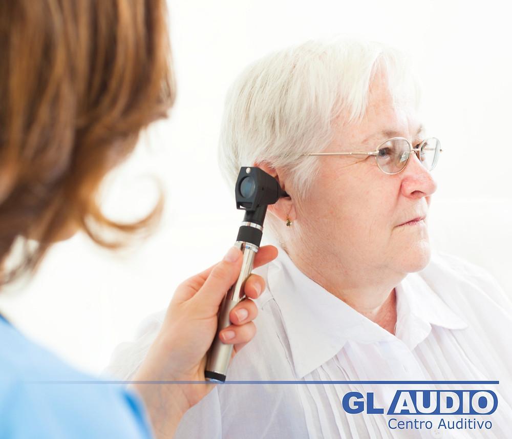 Sintomas da perda auditiva em idosos