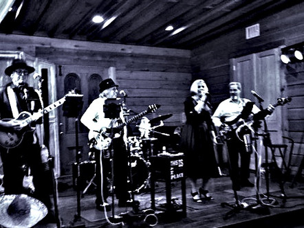 CollectorsEditionBand_Kerrville_TX_STAGE