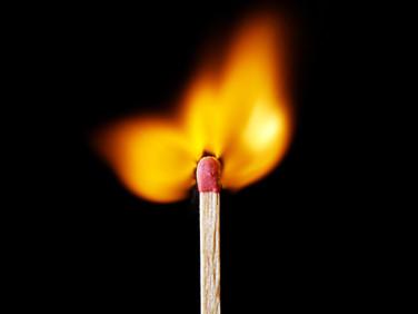Palito em chamas