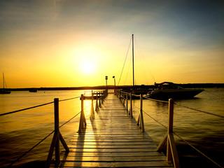 Pier e barco