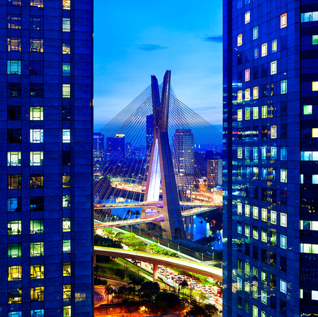 "Obra ""Ponte Estaiada Noturna"", 2020"
