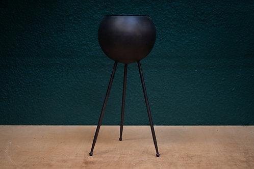 Base de bronce con patas