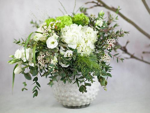 Bouquet de flores blancas y verdes