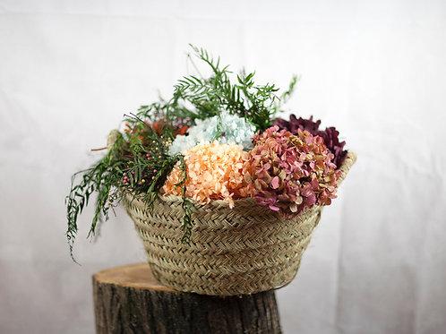 Cesto de hortensias secas
