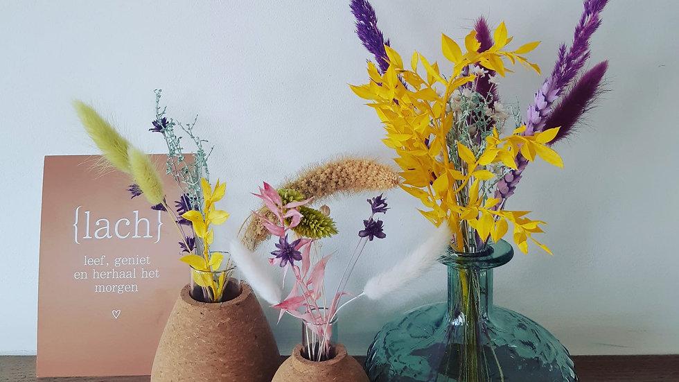 Trio vaasjes met droogbloemen blauw