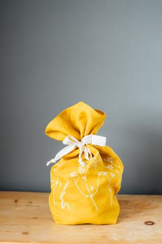 HELEN ROUND Linen Bread bag in Mustard